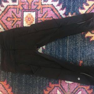 New never worn Lululemon crop pant